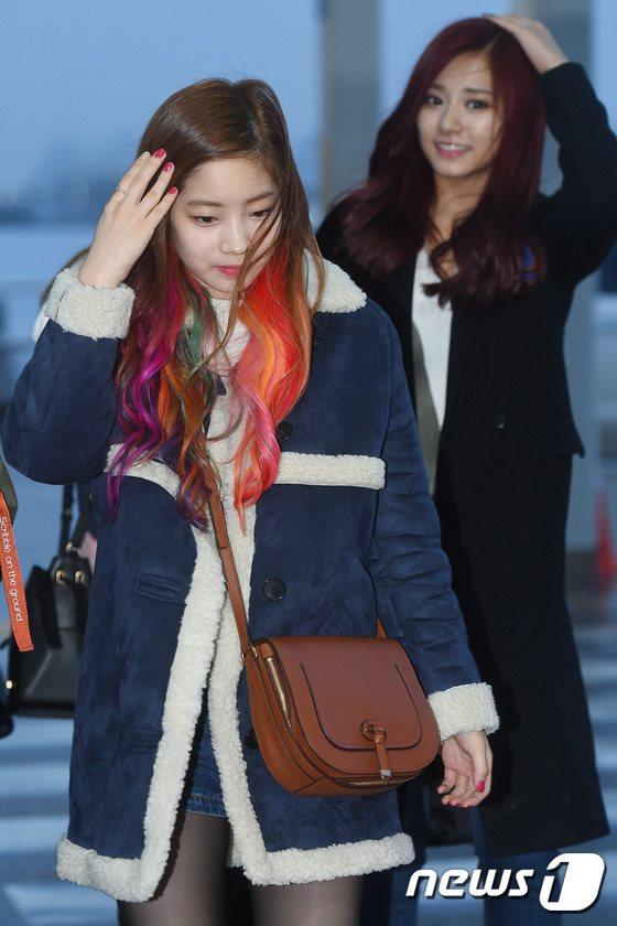 空港ファッションTWICEダヒョン